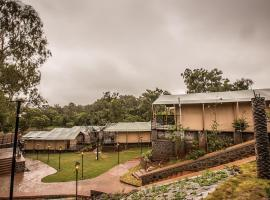 Royal Land luxury Tent Resort, hotel with pools in Mahabaleshwar