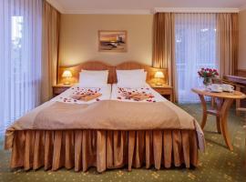 Hotel Polaris III, hotel near Baltic Park Molo Aquapark, Świnoujście