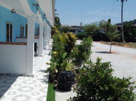 Mazza Nur Motel, spa hotel in Pantai Cenang