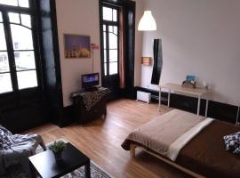 Astronaut Rooms, homestay di Porto