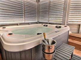 Appartement THOMANA , jacuzzi privé, plage à 200 m, hotel in Le Moule
