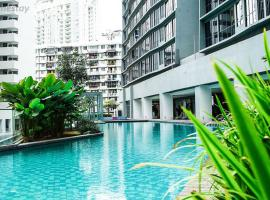 KL Gateway Pool Suites near Mid Valley, serviced apartment in Kuala Lumpur