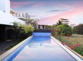 Bay Terraces by Vista Rooms, hotel in Marmagao