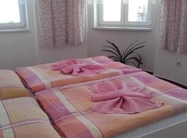Hotel Šrejber, hotel poblíž významného místa Babiččino údolí, Červený Kostelec