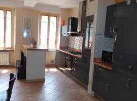 spacieux logement face à la Cité Médievale, holiday home in Carcassonne