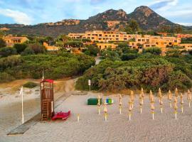 Appartamento con Spiaggia Privata Wi-fi Parking, appartamento a Costa Rei