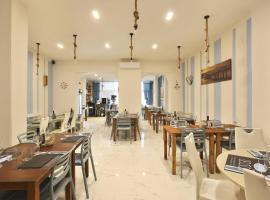 Hotel Nuovo Tirreno, hotel in Lido di Camaiore