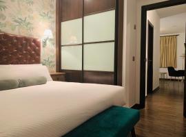 Suites Casas de los Reyes, отель в городе Толедо