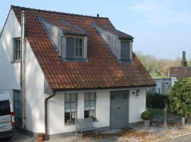 Charming Holiday Home in Damme with Private Garden, hotel in Damme