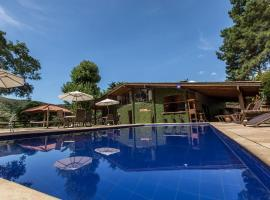 Atelier Molinaro Boutique Hotel, hotel with pools in Petrópolis