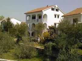 Apartments Rendulic, hotel in Malinska