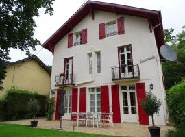 Chambre d'Hôtes Les Renards, hôtel à Salies-de-Béarn