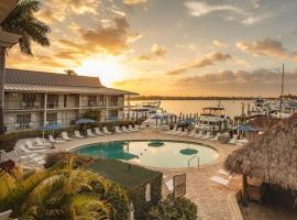 Cove Inn on Naples Bay, hotel in Naples