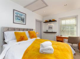 Charles Alexander Short Stay - The Old Bank Apartments, apartment in Lytham St Annes