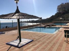 economical house by sea, hotel in La Mata