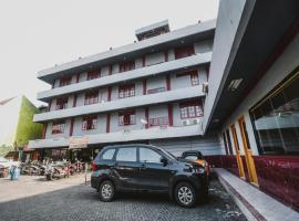 RedDoorz Plus near RSCM Jakarta, hotel in Jakarta