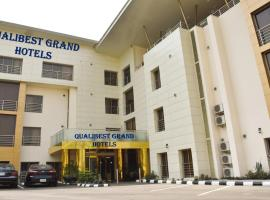 Qualibest Grand Hotels, hotel en Abuja