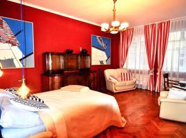 Fine Art Luxury Stay in the Old Town absolute center, pet-friendly hotel in Kraków