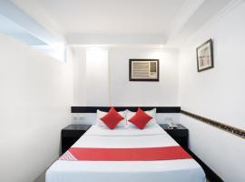 OYO 138 White Palace Hotel, hotel malapit sa Intramuros, Maynila