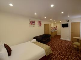 PremierLux Serviced Apartments, hotel in Ilford