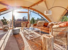 Under Canvas Grand Canyon, luxury tent in Valle
