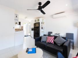 Brandy Apartment, pet-friendly hotel in Gold Coast