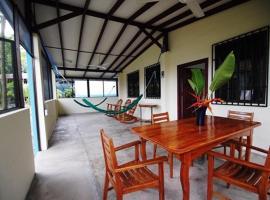 Pavones Point Surf Retreat, hotel in Pavones