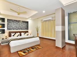 Pinaz Royale, hotel near Sri Guru Ram Dass Jee International Airport - ATQ, Amritsar