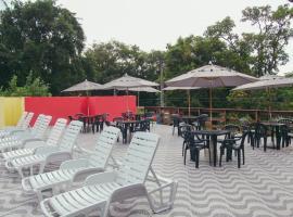 Pousada Chiclé Penedo, hotel with pools in Penedo