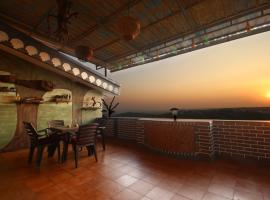 Hill Top Luxury Villa - 3 BHK || Infinity Pool, hotel near St. Cajetan's Church, Mapusa