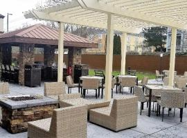 Homewood Suites by Hilton Portland Airport, hotel in Portland