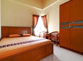 Bedur Homestay Syariah, hotel near Bekasi Train Station, Bekasi