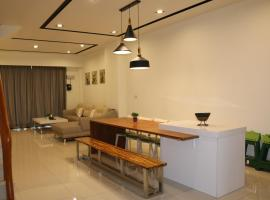Lan Feng Su B&B, hotel in Yilan City