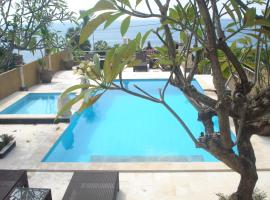 Barong Cafe Bungalow and Restaurant, holiday park in Amed
