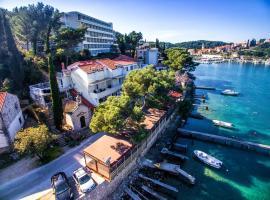 Apartment Boras Lux, hotel in Cavtat