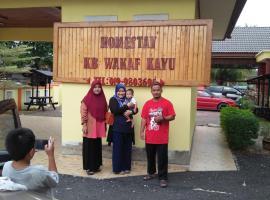 HOMESTAY Kb Wakaf Kayu, homestay in Kota Bharu