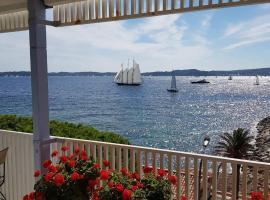 Duplex cinq étoiles de la Baie de st Tropez, apartment in Sainte-Maxime
