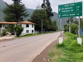 Hotel Bellavista, hotel near Sir Torrechayoc Church, Huaran