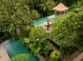 Adiwana Resort Jembawan, hotel with pools in Ubud