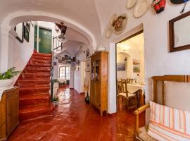 Hostal S'Engolidor, country house in Es Migjorn Gran