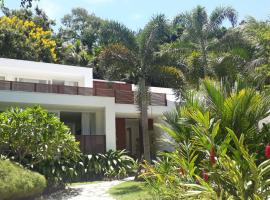 Tropical Contemporary Suites, hotel with pools in Paraty