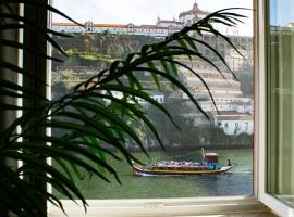 Red House By The River, hotel near Porto Cathedral, Porto