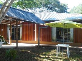 Roca y Bambu - Ecolodge, hotel with pools in Tingo María