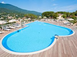 Hotel La Perla Del Golfo, hotel near Marina di Campo Airport - EBA, Procchio