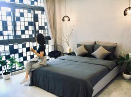 MIDMOST Boutique Hostel, hostel in Can Tho