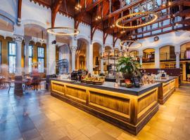 Post-Plaza Hotel & Grand Café, budget hotel in Leeuwarden