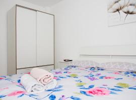 Alfa Apartments - Next to Assuta apartment, מלון בתל אביב
