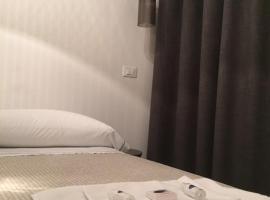 Camere Nicolina 2, hotel in Vernazza
