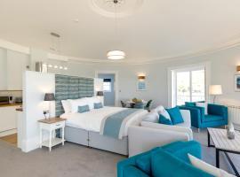 Sandhills Apartments, Mudeford, apartment in Christchurch