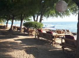 Sandy Beach Bungalows, hotel in Gili Islands